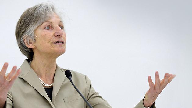 Hypo-Kommission: Wer ist eigentlich Irmgard Griss? (Bild: APA/Herbert Neubauer, krone.at-Grafik)