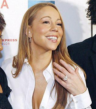 Mit diesem Klunker hat Mariah Carey allen Grund zum Strahlen. (Bild: Peter Foley/EPA/picturedesk.com)