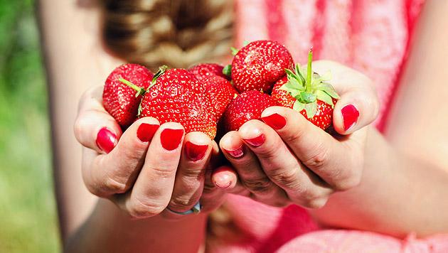 schlemmen sie sich mit erdbeeren schlank fr chte f r figur gesund fit. Black Bedroom Furniture Sets. Home Design Ideas