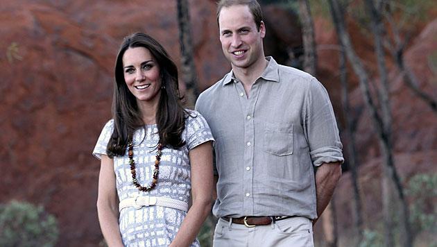 William und Kate schwitzten in der Wüste (Bild: AP)