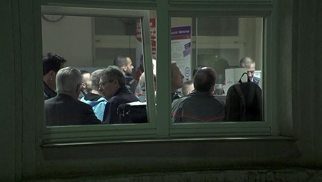 Hauptthema der Betriebsversammlung war die Gewalt gegenüber Angestellten der Wiener Linien. (Bild: krone.tv)