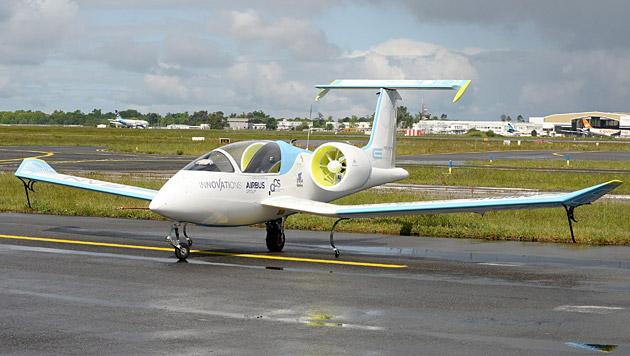 Das Airbus-Elektroflugzeug E-Fan (Bild: APA/EPA/Caroline Blumberg)