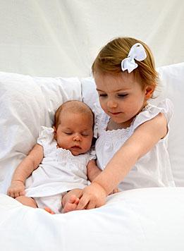 Prinzessin Leonore und Prinzessin Estelle (Bild: H.K.H. Kronprinsessan Victoria/kungahuset.se)
