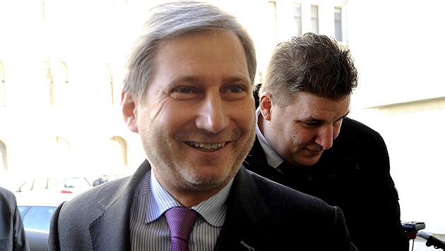 Johannes Hahn fühlt sich als EU-Kommissar wohl und möchte eine weitere Amtszeit anhängen. (Bild: APA/HERBERT PFARRHOFER)