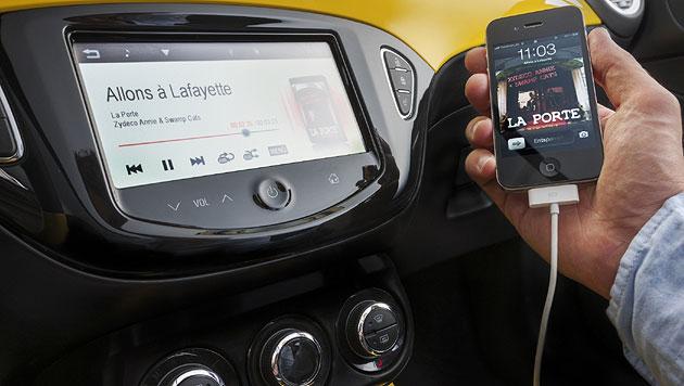 """Der Opel Adam überzeugt mit seiner nahezu perfekten Integration der Sprachsteuerung """"Siri"""" (Bild: Opel)"""