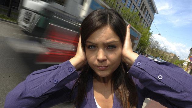 Anrainerkampf Gegen Lärm Durch Züge Und Autos