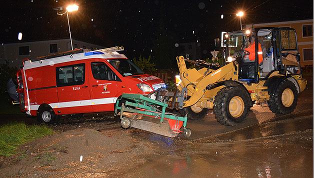Unwetter hielten Feuerwehren in OÖ auf Trab (Bild: Feuerwehr/Denkmayr)