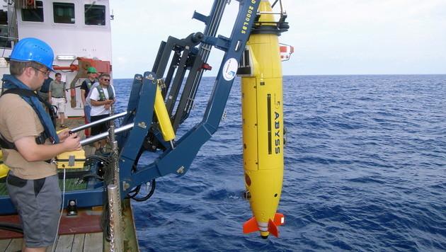 Auch mit einem Tauchroboter wurde nach der Maschine gesucht. (Bild: IFM GEOMAR/EPA/picturedesk.com)