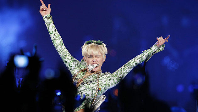 Miley: Hasstirade gegen ihren Ex Liam Hemsworth (Bild: AP)