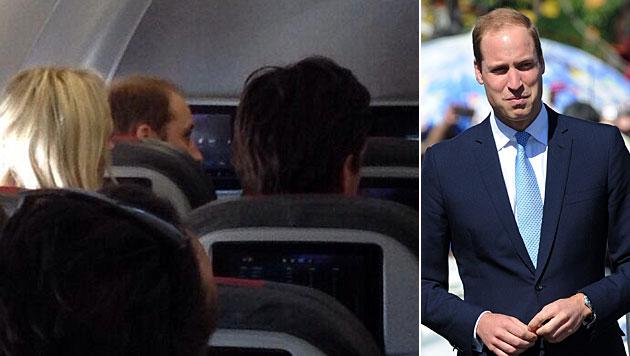 Prinz William reist in der Economy-Class (Bild: twitter.com, APA/EPA/DAN HIMBRECHTS)