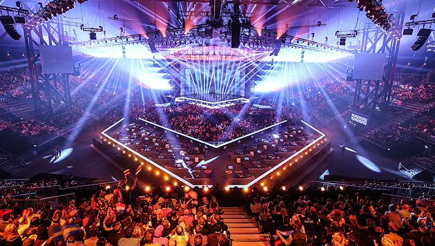 Spektakuläre Bühnenshows bereits im ersten Halbfinale in Kopenhagen (Bild: ORF)