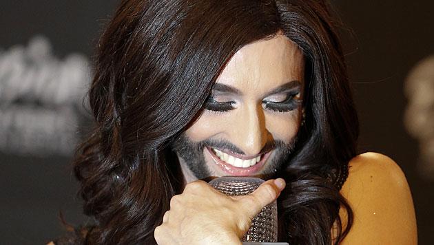 Der Mensch hinter Bart, Perücke und Mascara (Bild: APA/EPA/JOERG CARSTENSEN)