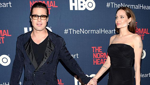 Jolie: Peinliche Puder-Panne am roten Teppich (Bild: Evan Agostini/Invision/AP)