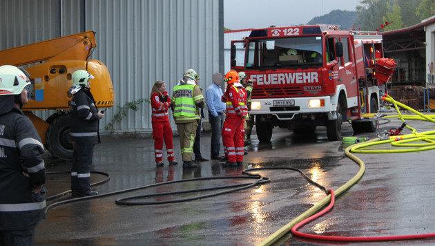 Drei Verletzte bei Brand in steirischer Firma (Bild: APA/ROTES KREUZ/KAPFENBERG/DOKUTEAM3)