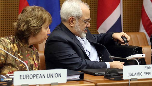 Ashton und der iranische Außenminister Mohammad Javad Zarif in Wien (Archivbild) (Bild: AP)