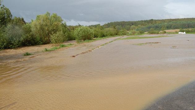 Katastrophenalarm wegen Starkregens im Landesosten (Bild: APA/FF PINKAFELD)