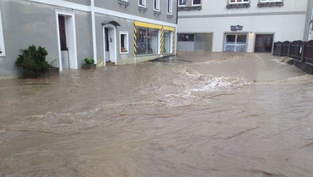 "Katastrophenalarm wegen Starkregens im Landesosten (Bild: ""Krone""-Leserreporter Richard Lietz)"