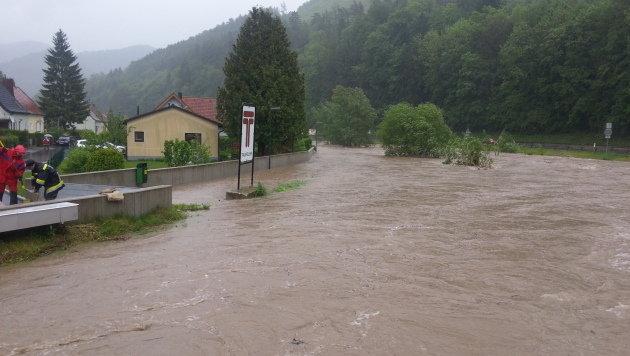"Katastrophenalarm wegen Starkregens im Landesosten (Bild: ""Krone""-Leserreporter Astrid Zauner)"