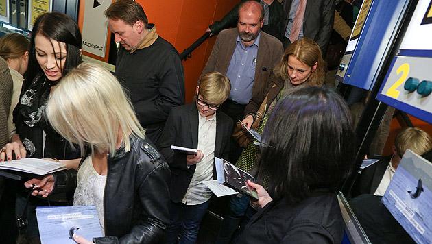 """Alle Gäste erhielten eine """"Blackfish""""-DVD und Informationsmaterialien. (Bild: KatharinaSchiffl/ShiftingValues)"""