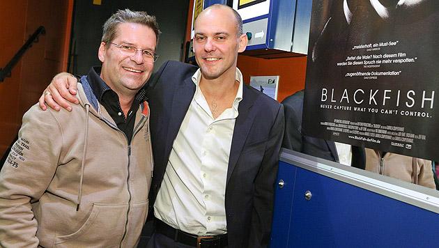 Kabarettist Gerold Rudle und Nicolas Entrup von Shifting Values. (Bild: KatharinaSchiffl/ShiftingValues)