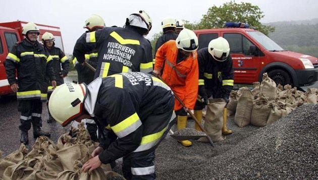 """Hochwasser: """"Das Schlimmste haben wir überstanden"""" (Bild: APA/BFKDO ST.PÖLTEN)"""