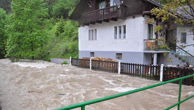 """Hochwasser: """"Das Schlimmste haben wir überstanden"""" (Bild: APA/FF SCHWARZENBACH)"""