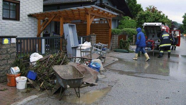 Millionenschaden durch Hochwasser und Schlamm (Bild: APA/BFKDO ST.PÖLTEN)