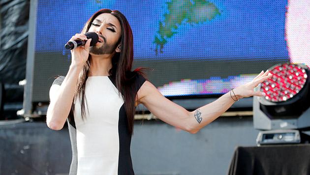 """Conchita vor 10.000 Fans: """"Ich bin überwältigt"""" (Bild: Zwefo)"""