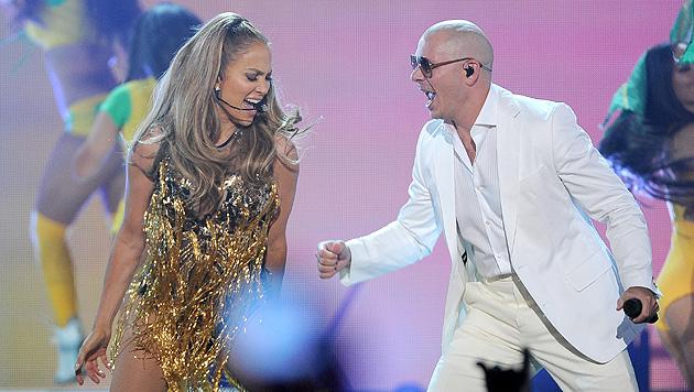 Jennifer Lopez und Pitbull (Bild: Chris Pizzello/Invision/AP)