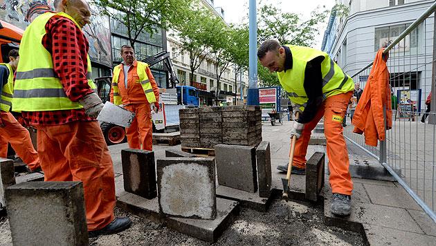 Mariahilfer Straße: Erste Umbauphase gestartet (Bild: APA/ROLAND SCHLAGER)