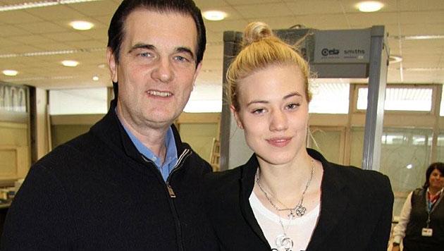 Larissa Marolt und ihr Papa Heinz Marolt (Bild: Christian Rosenzopf)