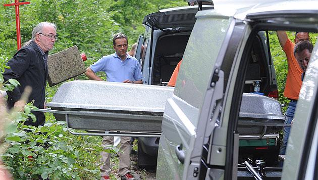 Die Leiche des entführten Anwalts wurde in einem Waldstück in Niederösterreich gefunden. (Bild: APA/HERBERT PFARRHOFER)