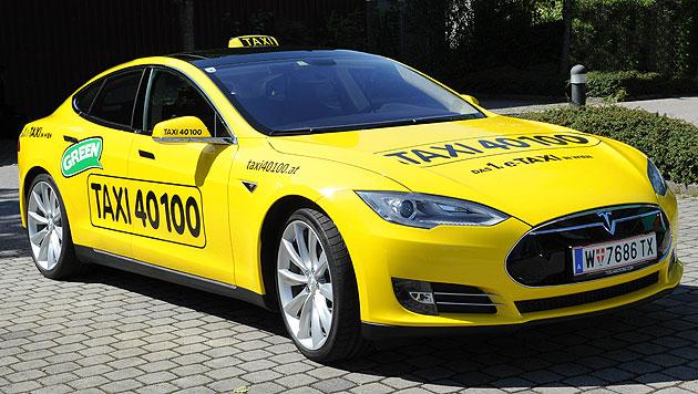 Erstes E-Taxi in Wien unterwegs (Bild: APA/MANFRED DOMANDL/TAXI 40100)
