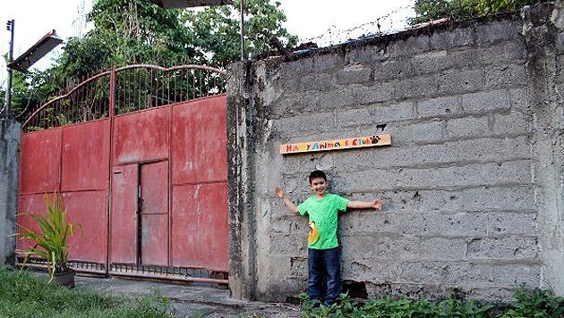 Am 1. Mai konnte Ken ein 1.000 Quadratmeter großes Grundstück anmieten. (Bild: happyanimalsclub.org)