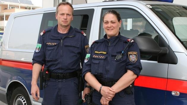 Gruppeninspektor Wolfgang Mersnik und Revierinspektorin Grita Gosch wurden zu Lebensrettern. (Bild: Polizei)