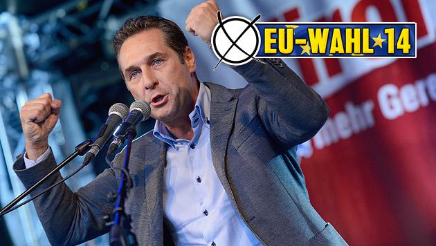 Energisch: FPÖ-Chef Heinz-Christian Strache beim Wähler-Mobilisieren in Tirol (Bild: APA/THOMAS BÖHM/TIROLER TAGESZEITUNG)