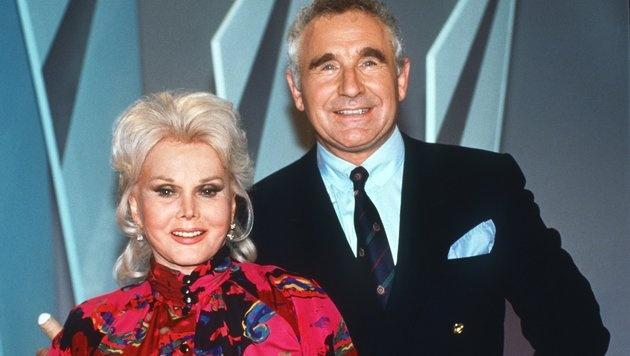 Hollywood-Legende Zsa Zsa Gabor mit Ehemann Nummer acht, Prinz Frederic von Anhalt. (Bild: dpa)