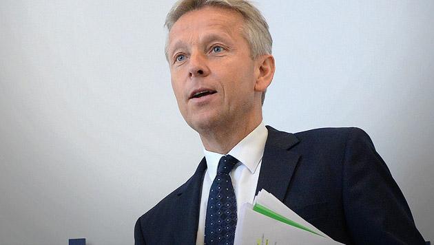 "ÖVP-Klubchef Lopatka: ""Rot-Grün ist zu großzügig"" (Bild: APA/HELMUT FOHRINGER)"