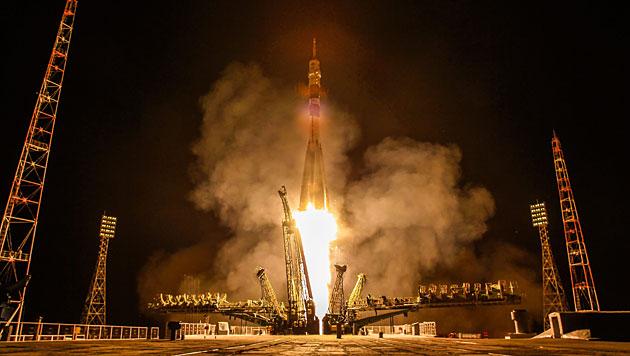 Satelliten bringen Internet in Entwicklungsländer (Bild: EPA/Sergei Ilnitsky)