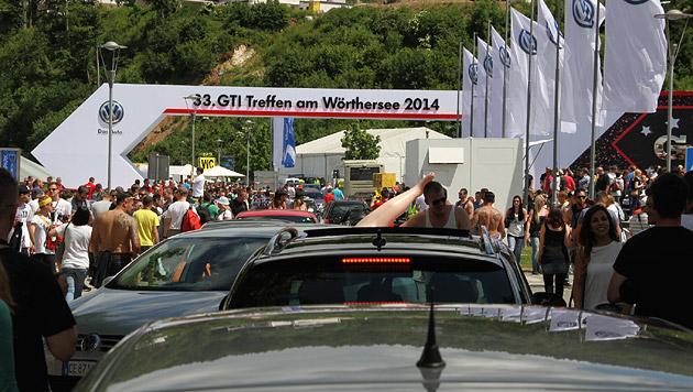 GTI-Treffen geht der Sprit aus (Bild: Hannes Wallner)