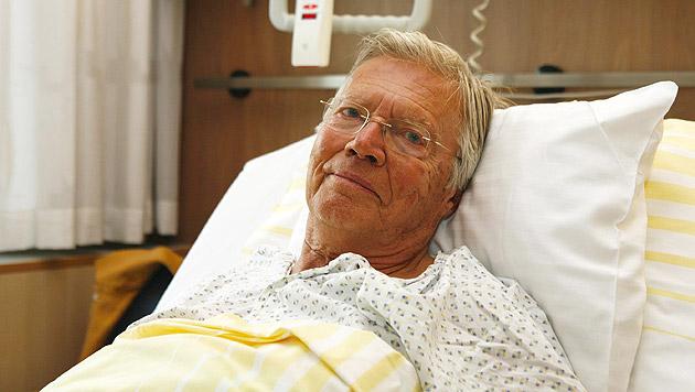 Nach seinem Autounfall 2007 im Salzburger Landeskrankenhaus (Bild: APA/SALK/Wild&Team)