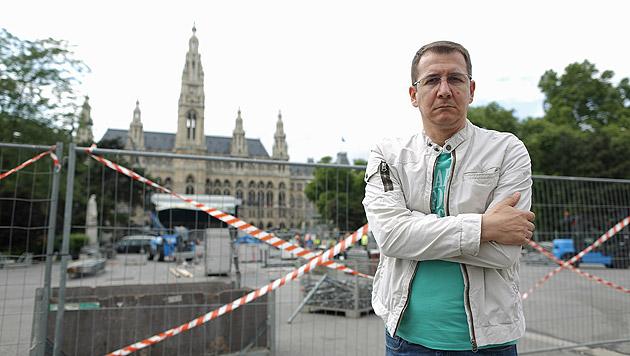 Rathaus-Trafikant trotz Genehmigung ausgesperrt (Bild: Gerhard Bartel)