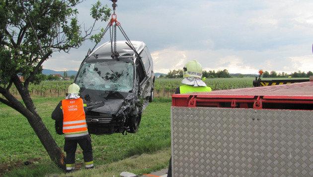 8 Menschen bei Frontalzusammenstoß in NÖ verletzt (Bild: BFK Krems / Feuerwehr Krems)