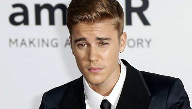 Bieber: Anti-Aggressionstraining statt Gefängnis (Bild: APA/EPA/GUILLAUME HORCAJUELO)