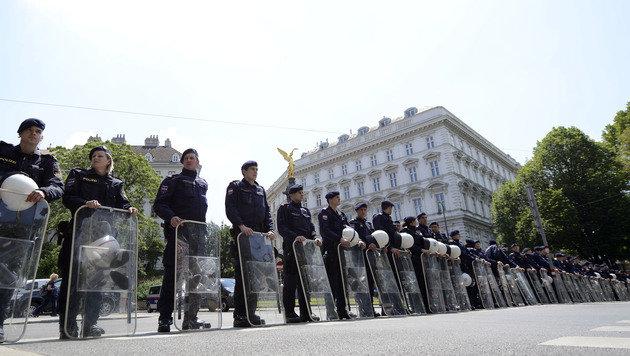 """""""Fest der Freiheit"""": Polizei mit Einsatz zufrieden (Bild: APA/HELMUT FOHRINGER)"""