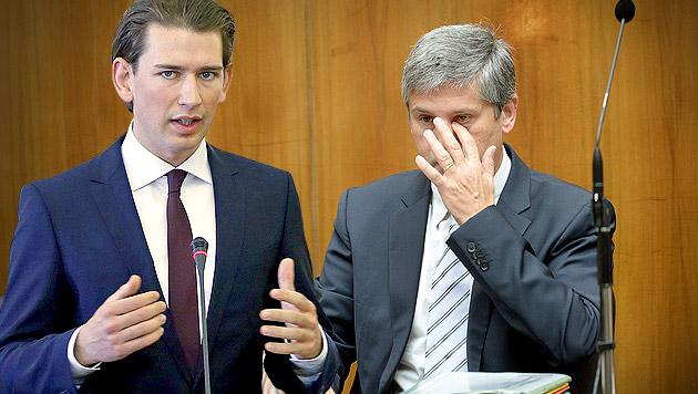 Bester ÖVP-Chef? Spindelegger von Kurz überflügelt (Bild: APA/EPA/ABEDIN TAHERKENAREH, APA/ROLAND SCHLAGER,krone.at-Grafik)