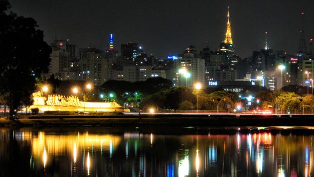 Brasilien: Vom grünen Rasen ins bunte Paradies (Bild: flickr.com/Diego3336)