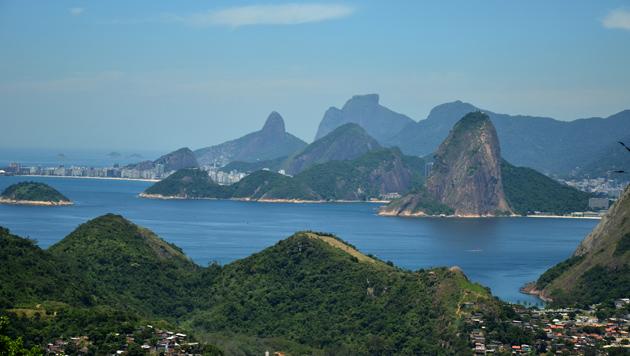 Brasilien: Vom grünen Rasen ins bunte Paradies (Bild: flickr.com/Rodrigo_Soldon)