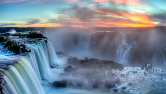 Brasilien: Vom grünen Rasen ins bunte Paradies (Bild: flickr.com/SF Brit)