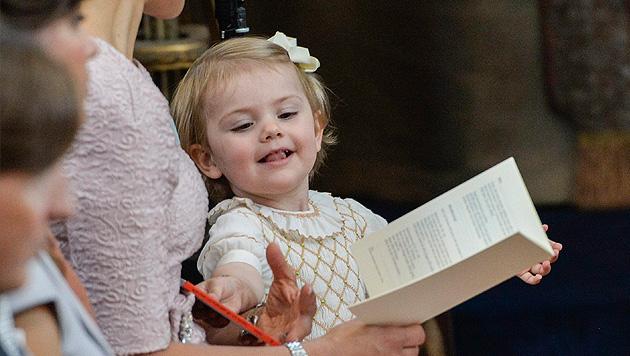 Prinzessin Estelle bei der Taufe von Prinzessin Leonore. (Bild: APA/EPA/JONAS EKSTROMER)
